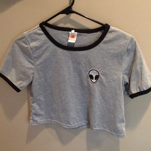 Tops - Cropped Alien T-shirt